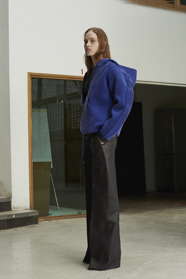 ILARIA NISTRI FALL WINTER 2016 COLLECTION cardigan sweater  leather pants