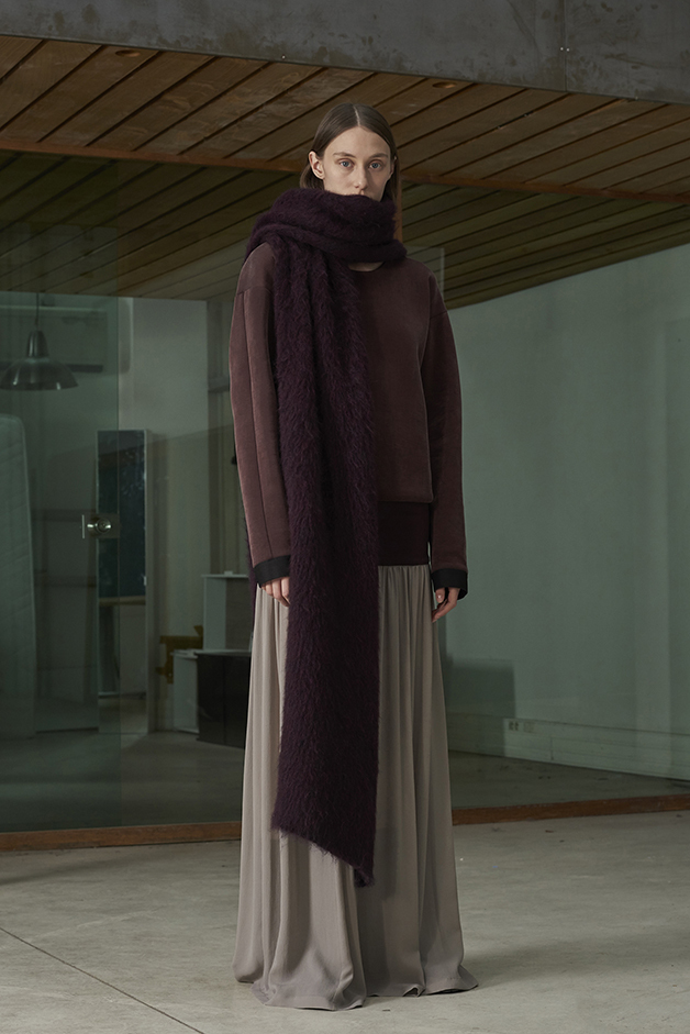 ILARIA NISTRI FALL WINTER 2016 COLLECTION scarf sweater skirt